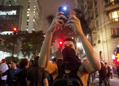 Os chamados mídia ativistas trazem versões diferentes dos meios de comunicação tradicionais.
