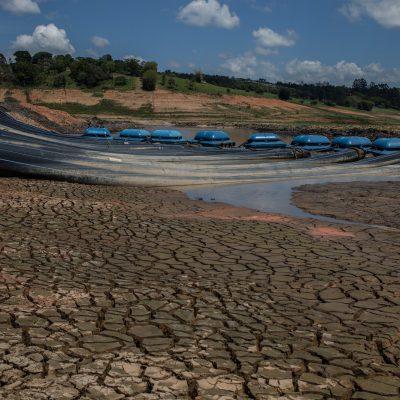 Volume morto na represa Jaguari-Jacareí, no Sistema Cantareira