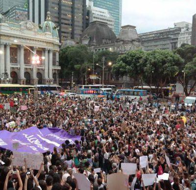 O ato ocorreu na Cinelândia, tradicional local de manifestações políticas no centro do Rio