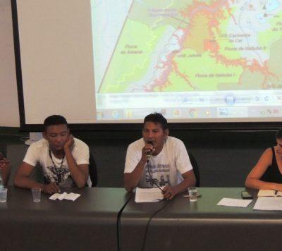 Representantes indígenas e de comunidades participaram do lançamento do livro em Brasília. Foto de Sucena Resk/ICV