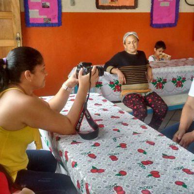Mulheres de Heliópolis realizando uma das gravações (Foto: SOF)