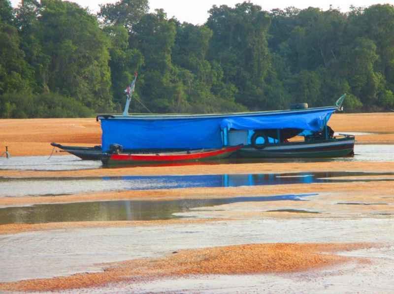 Rio Amazonas agoniza na estiagem do início do ano: tendência é que fenômenos meteorológicos se intensifiquem nas próximas décadas (Foto: Defesa Civil do Amazonas/Divulgação)
