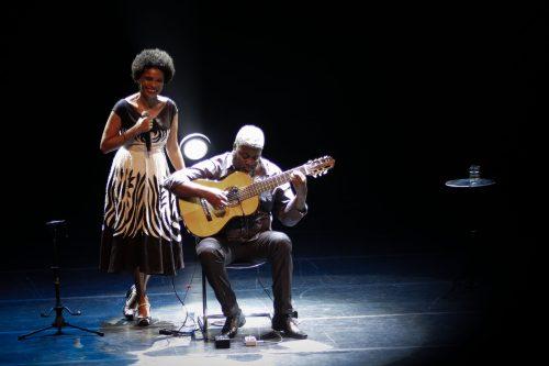 Teresa Cristina e Carlinhos 7 Cordas no show do Sesc Pinheiros (Foto: Ronny Santos)