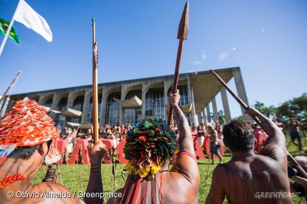 Protesto Munduruku em Brasília, pedindo por demarcação