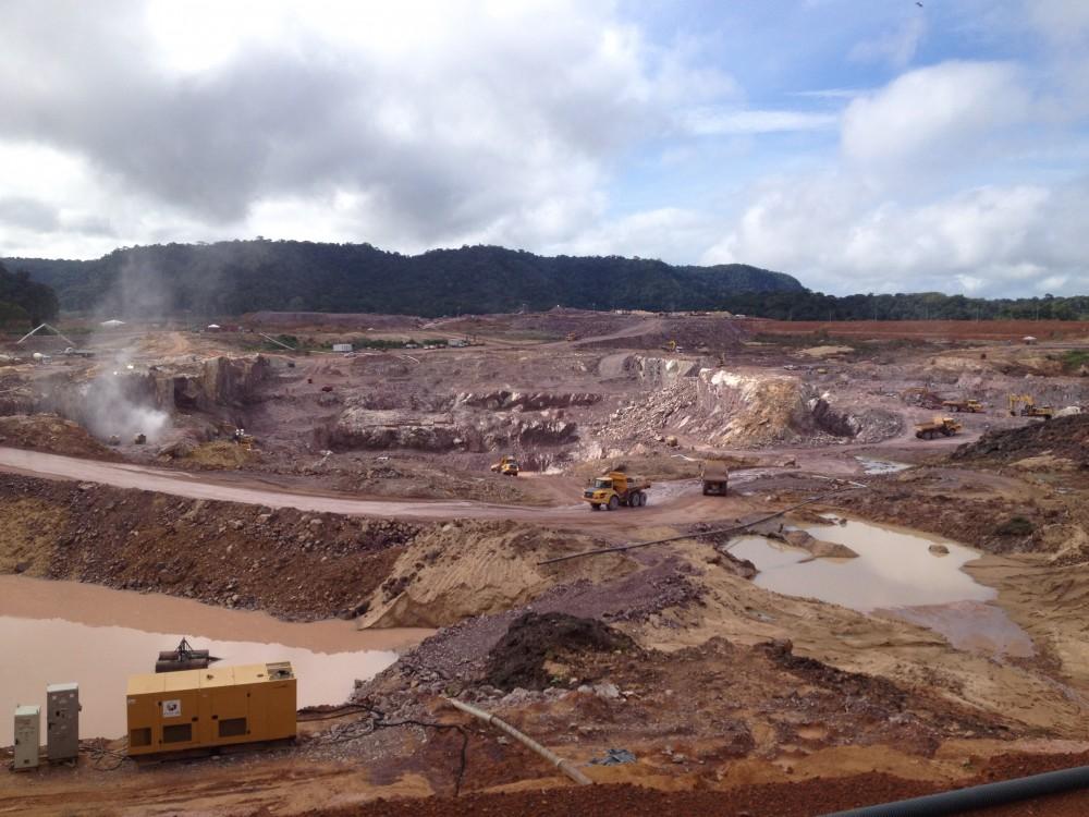 Construção da usina São Manoel (Foto: International Rivers)