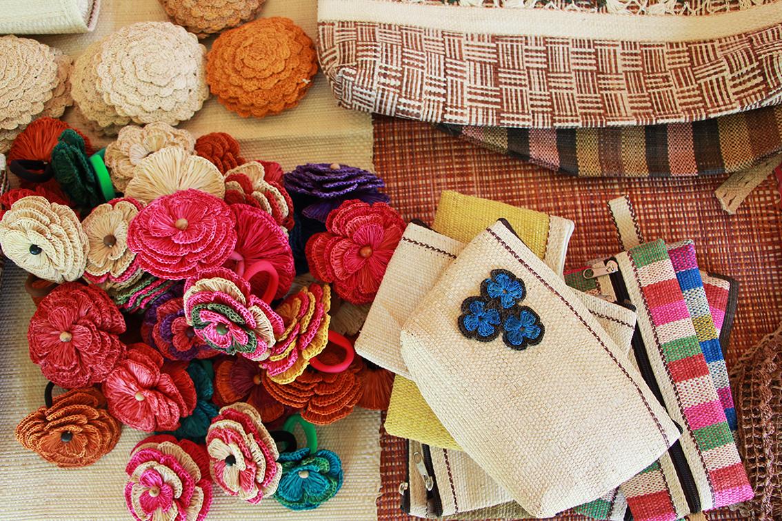 Produtos feitos com fibra e palha de Buriti (Foto: Reprodução/Unicafes)