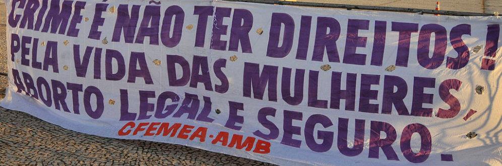 1024px-Protesto_pro_escolha_aborto_2012