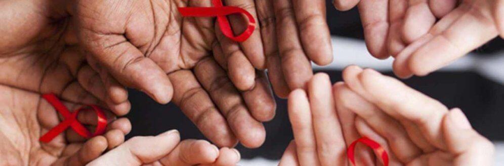 Organizações da sociedade civil denunciam falta de investimento em prevenção e tratamento do HIV no Brasil