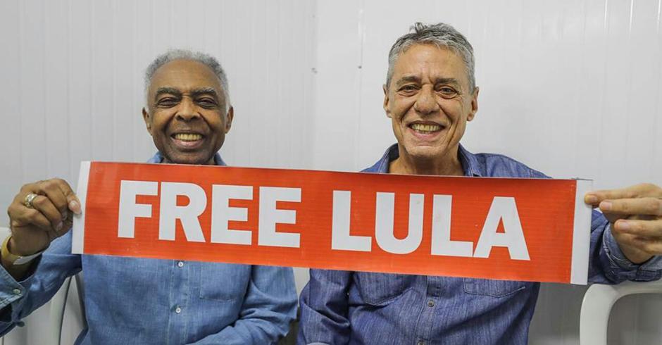 #FestivalLulaLivre: Gilberto Gil e Chico Buarque pedem a liberdade de quem está preso sem provas Foto: Ricardo Stuckert