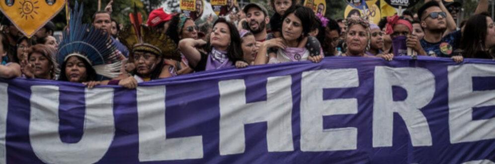 Mulheres de todo o país voltam às ruas neste sábado (6) contra o fascismo