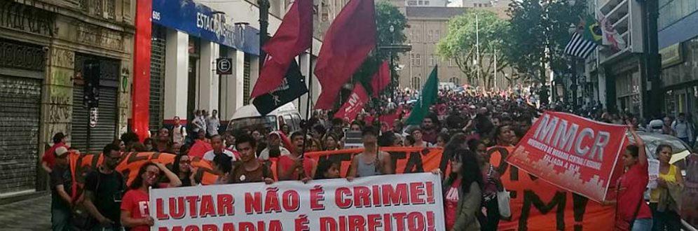 Sem-teto protestam no centro de São Paulo contra prisão arbitrária de lideranças