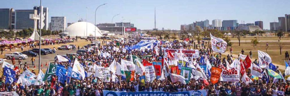 Estudantes protestam nesta terça (13) contra projeto 'Future-se' e reforma da Previdência